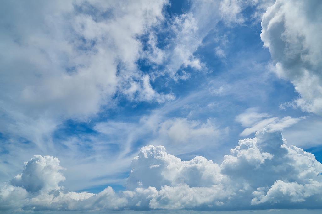 cloud-2294671_1920.jpeg