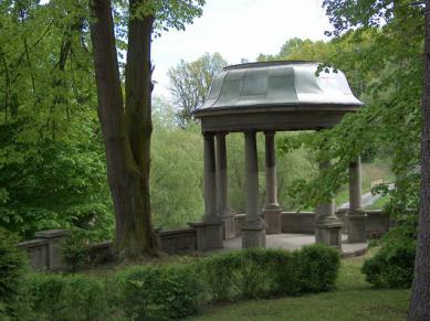 Park w Rogowie Opolskim 2.jpeg