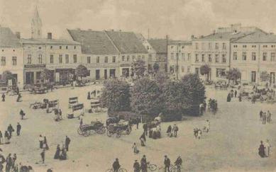 Marktplatz in Krapkowice_1900-1920.jpeg