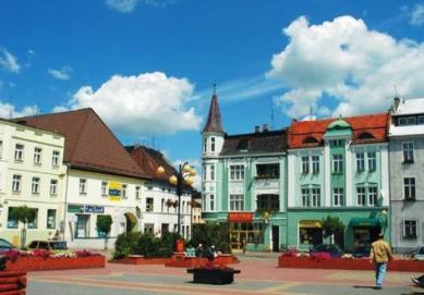 Marktplatz in Krapkowice.jpeg