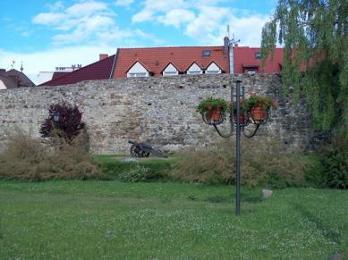 Die Schutzmauern in Krapkowice.jpeg