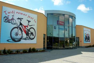 Motoristicko-cyklistický salón (Salon motorowo-rowerowy).jpeg