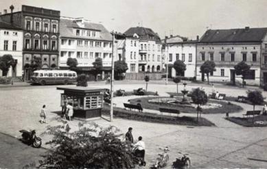 Krapkowické náměstí (Rynek) _1965.jpeg