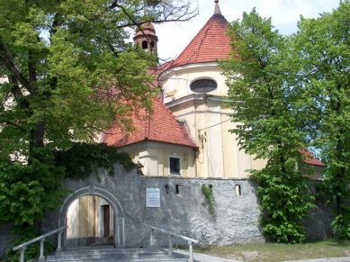 Kostel Nanebevzetí Nejsvatější Panny Marie v Otmętu.jpeg