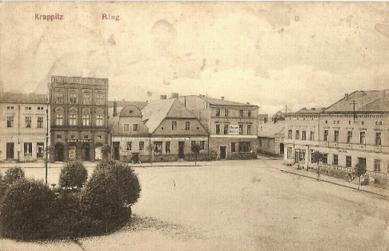 Rynek_w_Krapkowicach_na_pocztówce_z_1910_roku.jpeg