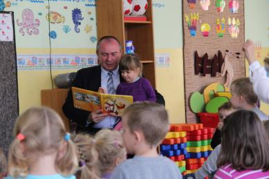 Galeria glosne czytanie przedszkolakom