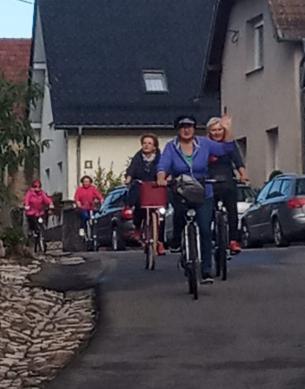 Galeria Seniorzy na roweracha