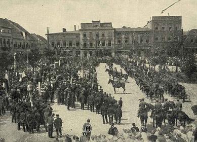 Wkroczenie wojsk niemieckich na krapkowicki rynek po odwrocie francuskiej załogi, okupującej miasto_1921.jpeg
